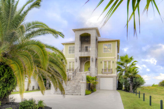 St Simons real estate with low interest rates